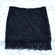Lace Skirt used twice, fully line, not gartered and fits size 10 perfectly. Skirts