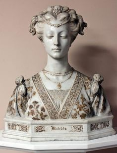«Matelda». Marble bust. Etched and gilded. No apparent signature. 19th Century.