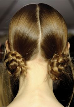 Doble recogido trenzado - Peinados con trenzas para pelo largo