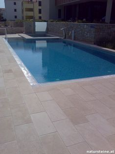 Kleiner Pool Design, Small Pool Design, Pool Houses, Pool Designs, Pools, Outdoor Decor, Shell, Stones, Pearl