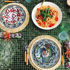 """210 Beğenme, 5 Yorum - Instagram'da Cores, Flores, Mesas... RJ  (@tabledecor_rj): """"Lunch time in Capri and mix of patterns by @jjmartinmilan #tablesetting #tableware #tabledecor…"""""""