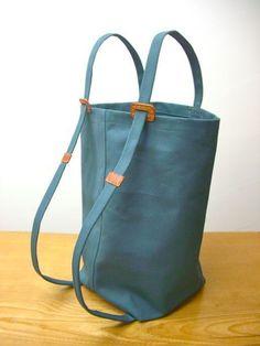 Learn How to Create Beautiful Versatile Fabric Bags Diy Tote Bag, Tote Backpack, Diy Bags Purses, Bag Patterns To Sew, Denim Bag, Fabric Bags, Market Bag, Cotton Bag, Cloth Bags