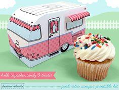 camper rétro rose  boîte de cupcake détient par claudinehellmuth, $4,99