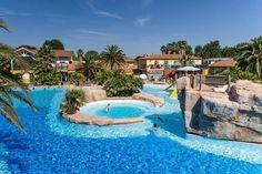Camping 5 étoiles exceptionnel à Argelès-sur-Mer en Languedoc-Roussillon Complexe aquatique, plage à 900 mètres, nombreuses animations... Venez découvrir ce camping en Languedoc