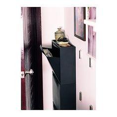 IKEA - TRONES, Schoenenkast/opberger, blauw, , De kast is ondiep en neemt daardoor weinig ruimte in. Ideaal voor het opbergen van schoenen, handschoenen en sjaals.Als je opbergbehoefte verandert, kan je heel eenvoudig meer opbergruimte creëren door meerdere kasten op elkaar te stapelen of naast elkaar te zetten.De bovenkant van de kast heeft een lager gedeelte met plaats voor kleine spulletjes, zoals sleutels, munten of je telefoon.De deur kan makkelijk worden verwijderd om de binnenkant…