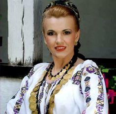 Zorica Savu » Muzica Populara din Banat City People, Romania, Kimono Top, Sari, Costumes, Traditional, Celebrities, Tops, Women