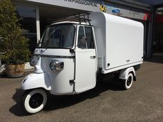 "The new Ape ""Fly"" salesunit for the Piaggio Ape Classic"