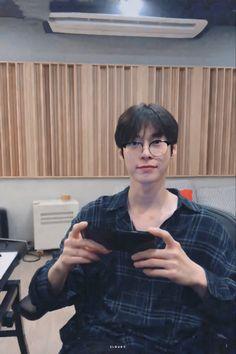 Nct Doyoung, Kpop Boy, Kpop Groups, Boyfriend Material, Jaehyun, Nct 127, Bebe