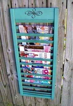 Fifteen favorite creative DIY shutter projects made from repurposed old wood shutters. Packed with useful ideas for old window shutters for home decor. Upcycled Crafts, Diy Crafts, Upcycled Vintage, Wood Crafts, Do It Yourself Furniture, Diy Furniture, Repurposed Furniture, Painted Furniture, Repurposed Items