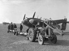 Photos of the World War 2 British twin engined fighter the Westland Whirlwind. Prototype, RAF in service and company development photos Air Force Aircraft, Ww2 Aircraft, Military Aircraft, Navy Air Force, Royal Air Force, Raf Bases, Westland Whirlwind, Supermarine Spitfire, Ww2 Planes