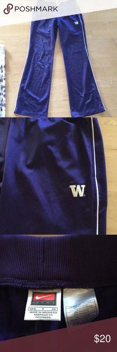 Nike University of Washington Sweat Pants Size S Nike UW sweats size small Nike Pants