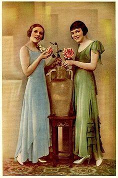 debutante duo,  Studio Henri Manuel, Paris, 1930