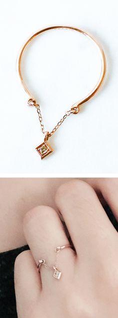 Delicate chain diamond ring