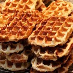 """Delicious Belgian Waffles Recipe"" ""Cherries"" ""Ben & Jerry's Chocolate Ice Cream"" ""Belgian Recipes"" [ASMR] Ear to Taste Cooking Trigger ""Braingasm"" effects! Waffle Iron Recipes, Belgian Food, Belgian Waffles, Belgian Recipes, Heart Healthy Desserts, Healthy Dessert Recipes, My Favorite Food, Favorite Recipes, Crack Crackers"