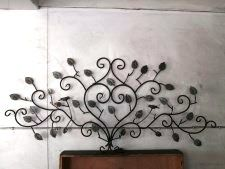 Decorative Wall Art Decor, Wrought Iron Beds, Wall Art Decor, Bed Design, Home Decor Decals, Metal Crafts, Steel Metal, Home Decor, Metal Daybed