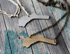 Nevada City is the county seat of Nevada County which is shaped like a Derringer Pistol pointed at Nevada for stealing our name!  How awesome is that?  Almost as cool as our friend Leora's jewelry!