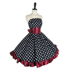 Retro polka dot prom dress. Wish I could make Courtney or Cassidy wear this....