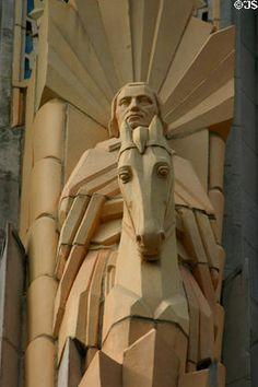 Horseman on Boston Avenue Methodist Church. Tulsa, OK. - Horseman on Boston Avenue Methodist Church. Tulsa, OK. Amazing Architecture, Architecture Details, Architecture Design, Art Nouveau, Chrysler Building, Statues, Art Pierre, Art Deco Stil, Art Deco Buildings