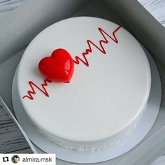 🤔😉😊 ⠀ 👉👉 ⠀ ⠀ Stay with 👉👉 to joy amazing desserts 🍩🍰😋 ⠀ ⠀ Credits by ⠀ ⠀ Tag… Food Cakes, Cupcake Cakes, Patisserie Chef, Beautiful Cakes, Amazing Cakes, Fun Desserts, Delicious Desserts, Heart Cakes, Valentines Day Cakes