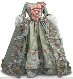 An 18th century style dress made by artist Isabelle de Borchgrave entirely of paper.