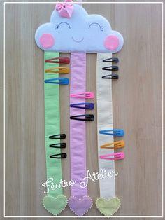 Porta Laços e Tic-Tac – Nuvem Chuva de Amor Bow Ties and Tic-Tac – Love Rain Cloud Kids Crafts, Diy Home Crafts, Diy Arts And Crafts, Baby Crafts, Felt Crafts, Sewing Crafts, Sewing Projects, Diy Projects, Paper Crafts