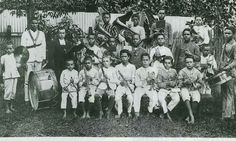 http://cathnews.co.nz/wp-content/uploads/2013/08/macarius-band-1892.jpg