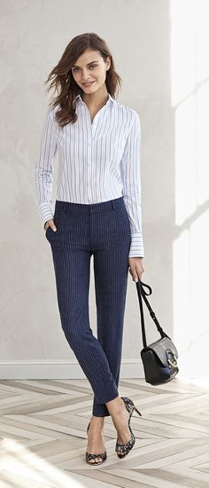 Meet your new go-to crop linen blend pants. Our Avery fit pant has a trouser fit through the hip and thigh that creates an effortlessly chic tailored silhouette. Pair it with a crisp button up shirt and heels for a casual chic work outfit   Banana Republic