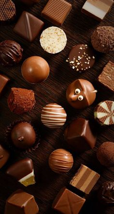 Chocolates can be healthy. After all, people of all age groups are fond of chocolates Chocolate Dreams, Chocolate Sweets, I Love Chocolate, Chocolate Ice Cream, Chocolate Gifts, Chocolate Coffee, Chocolate Lovers, Chocolate Pictures, Artisan Chocolate