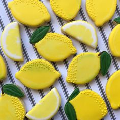 Discover recipes, home ideas, style inspiration and other ideas to try. Fruit Cookies, Iced Cookies, Cookies Et Biscuits, Cupcake Cookies, Cupcakes, Summer Cookies, Fancy Cookies, Cute Cookies, Owl Cookies