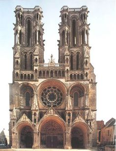 Google Image Result for http://www.historyforkids.org/learn/medieval/architecture/pictures/laon/laonfacade.jpg