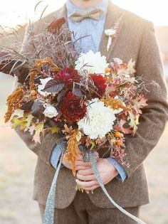 25 Gorgeous Fall Bouquets for Autumn Weddings | Bridal Musings Wedding Blog 7