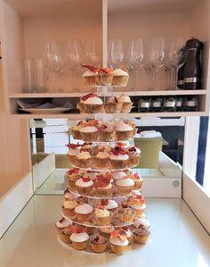 Autumnal toned sugar maple leaf wedding cupcake tower  #weddingcupcakes #luxurycupcakes #mapleleaves Cupcake Tower Wedding, Wedding Cupcakes, Silhouette Cake, Couture Cakes, Elegant Cakes, Autumnal, Handmade Flowers, Cake Decorating, Sugar