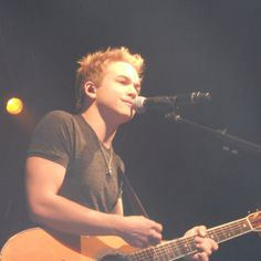 Hunter Hayes opening for Carrie Underwood