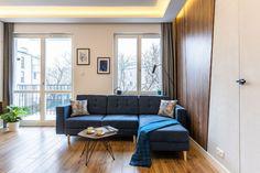 Nieduże mieszkanie: zobacz piękne i wygodne wnętrze - Galeria - Dobrzemieszkaj.pl Best Corner Sofa, Home Staging, Sofas, Couch, Apartments, Furniture, Design, Home Decor, Living Room