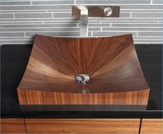 A new wooden sink in your bathroom can spice up the decoration or just serve its functional purpose. Wood Bathtub, Wood Sink, Wooden Bathroom, Bathroom Furniture, Into The Woods, Wood Veneer, Bathroom Inspiration, Bathroom Ideas, Wood Projects