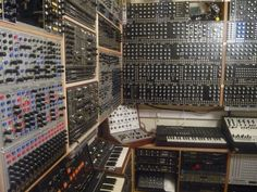 Mounting a modular synth to a wall must be really difficult, but then you get more free space...
