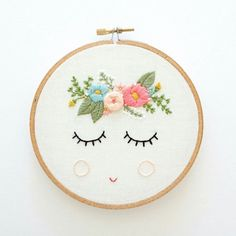 Wonderful Ribbon Embroidery Flowers by Hand Ideas. Enchanting Ribbon Embroidery Flowers by Hand Ideas. Basic Hand Embroidery Stitches, Floral Embroidery Patterns, Embroidery Hoop Art, Hand Embroidery Designs, Vintage Embroidery, Ribbon Embroidery, Cross Stitch Embroidery, Simple Embroidery, Hand Stitching