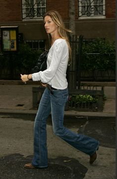 Gisele in Hudson's Supermodel bootcut. I love the boots and belt too.