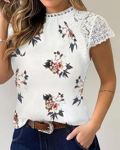 Chic Type, Latest Fashion For Women, Womens Fashion, Fashion Online, Trend Fashion, Casual Chic Style, Blouse Styles, Casual T Shirts, Pattern Fashion