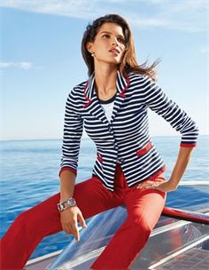 Maritimer Damen Pullover mit kurzem Arm, Geringelter Strickblazer, Leinenhose mit Bügelfalte
