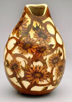 gourd art by Claudia Herber Decorative Gourds, Hand Painted Gourds, Sculpture Art, Sculptures, Vases, Finger Crochet, Horseshoe Art, Carving Designs, Gourd Art