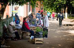 Стихийный рынок на пл. Лепсе