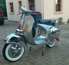 Scooter Custom, Mod Scooter, Lambretta Scooter, Vespa Scooters, New Vespa, Vespa Girl, Sidecar, Chopper, Old And New