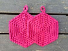 Crochet Hot Pads, Diy Crochet, Crochet Baby, Stitch Patterns, Crochet Patterns, Crochet Potholders, Crochet Kitchen, Crochet Diagram, Baby Knitting