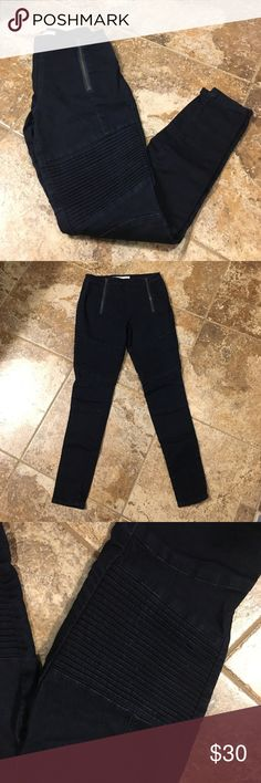 """Dark Wash Moto Jeggings Great pair of dark wash Moto jeggings. Fun zipper detail on front and across back pockets. Moto details above knees. Worn and washed just once. No flaws. Pants have great stretch but still keep their shape. Size 26 with a 27.5""""  inseam. Purchased at a local boutique. Smoke free home. Questions? Just ask. standards & practices Jeans Skinny"""