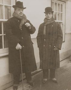 Serge Diaghilev, impresario, and Léonide Massine, choreographer who redid the unstructured scandalous Rites of Spring after the war Vintage Ballet, Third Gender, George Balanchine, Photo Portrait, Russian Ballet, Photo Album Scrapbooking, Modern Dance, Dance Art, Library Of Congress