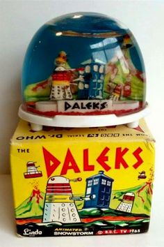 A rare collectible - a near mint condition 1965 Daleks animated snow globe. With box.