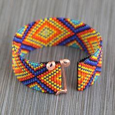 Brillantes diamantes grano telar pulsera Boho por PuebloAndCo
