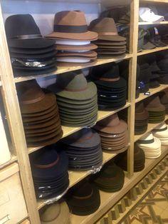 Ya hemos recibido casi todos los modelos y colores de sombreros para la  temporada de otoño 50ad04982e7