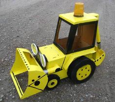 cardboard box back-hoe, kid size. upcycled at scrapbox.org Great idea ~ msut try! #ecrafty Projects For Kids, Crafts For Kids, Cardboard Box Crafts, Construction Party, Upcycle, Scrap, Heavy Equipment, Hoe, Halloween